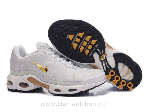 chaussure requin femme nike