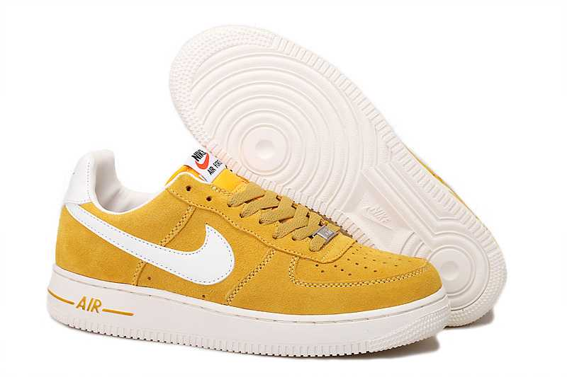 Nike Air Force 1 Baskets Blanc et jaune