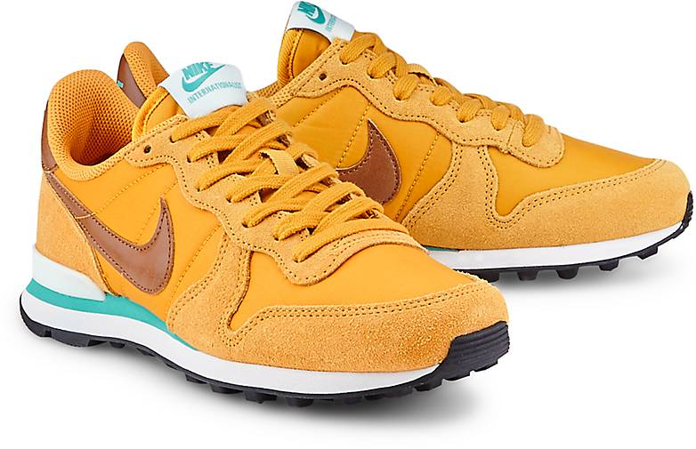 internationalist nike 40
